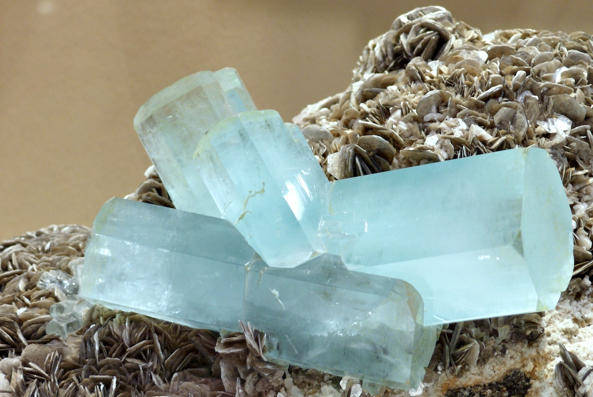 piedra natural aguamarina